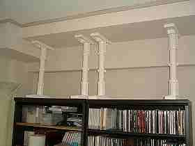 本棚の転倒防止